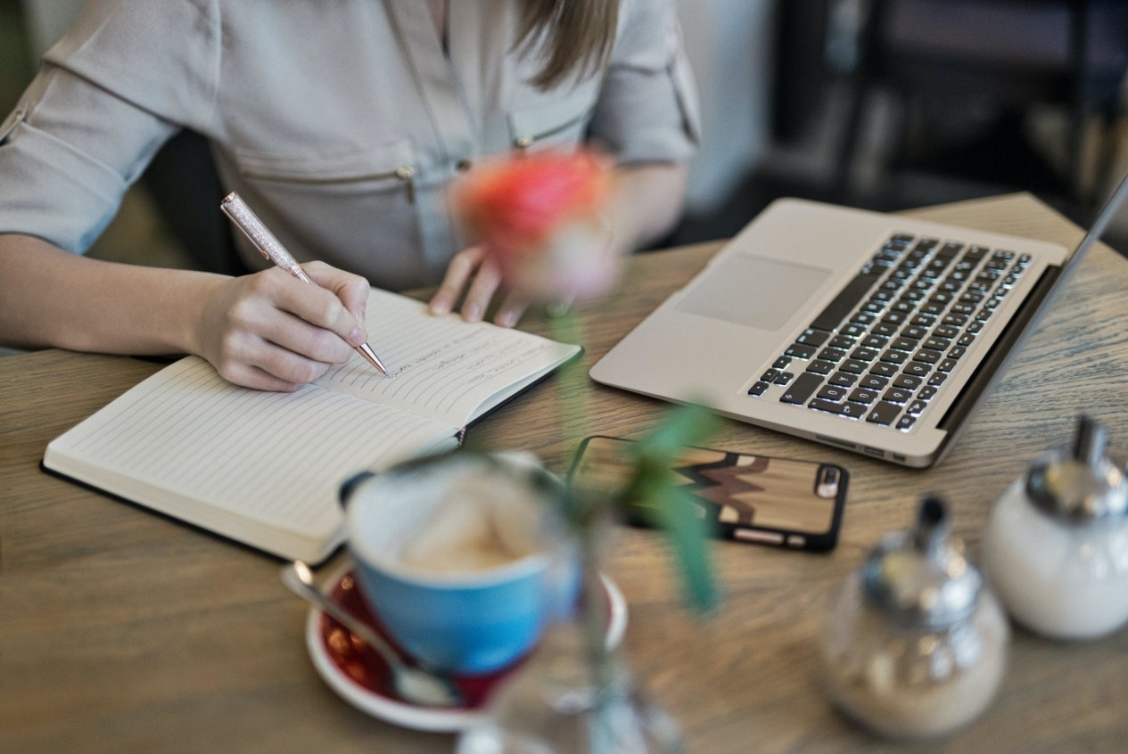 4 Ways You Can Turn Your Skills For Profit As A Copywriter